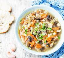 Kapitalna zupa pieczarkowa z białą fasolą: gotowa w 15 minut