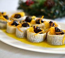 Koreczki śledziowe ze śliwkami i pomarańczami w oleju lnianym: przepis
