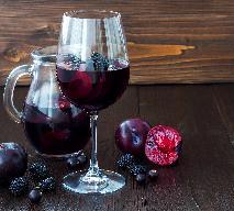 Wino ze śliwek: przepis dla cierpliwych