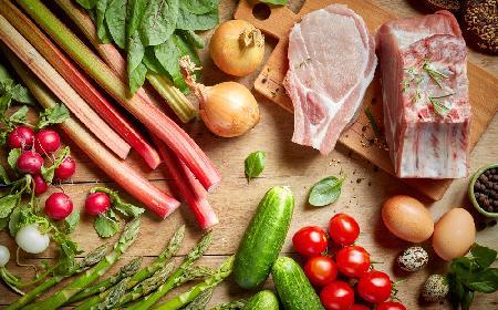 Rabarbar: dodatek do dań mięsnych - rady Agaty Wojdy
