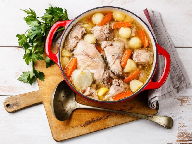 Potrawka Warzywna Z Krolikiem Przepis Na Rodzinny Obiad Beszamel