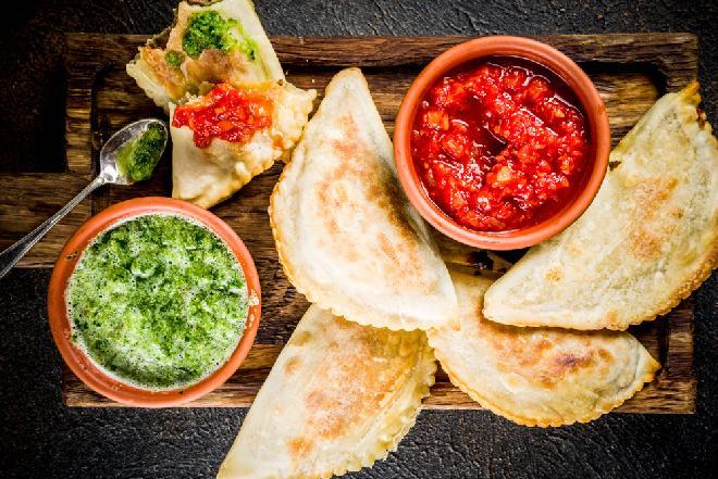 Empanadas: pieczone pierogi z wołowiną po argentyńsku