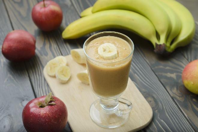 Koktajl mleczno-bananowy: przepis na pyszny zimowy deser