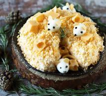 Majonezowa sałatka z kurczaka, jajek i sera nie musi być nudna