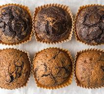 Łaciate muffinki z blendera: najłatwiejszy przepis na waniliowo-czekoladowe babeczki