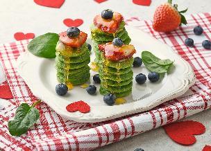 Zielone miniplacuszki z owocami: zdrowa porcja na wzmocnienie sił witalnych