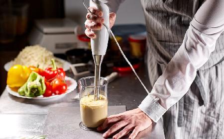 Gęsty majonez na mleku: tak pyszny, że już nigdy nie zrobisz innego