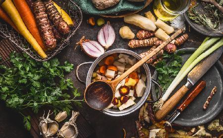 Odżywcza zupa z warzywami i grzybami wzmacniająca odporność: gotowa w 30 minut!