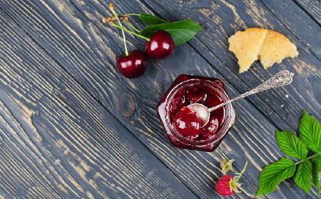 Dżem czereśniowy z sokiem z czerwonej porzeczki - łatwy przepis!