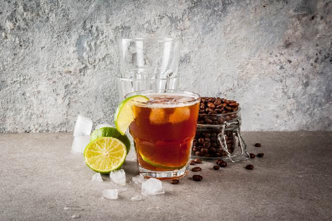 Espresso Tonic, czyli oryginalna kawa na zimno