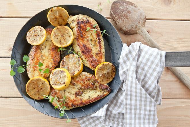 Piersi kurczaka na obiad - 20 pysznych dań obiadowych z drobiowego filetu
